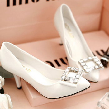In the autumn of 2015 new trend of Europe and the United States RV square diamond high-heeled shoes comfortable shallow mouth with a fine ladies shoes