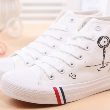 In the autumn of 2015 new white Gobon canvas shoes